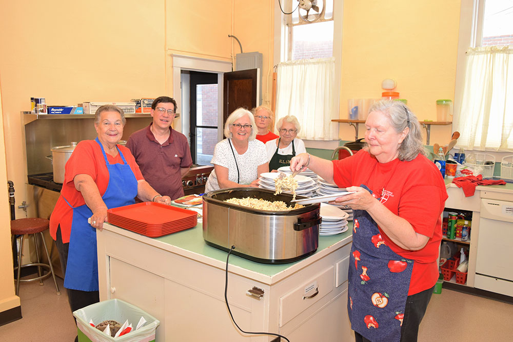 ELMS free meals bring Port Clinton community together