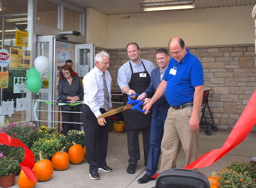 Bassett's Market team celebrates new Port Clinton store