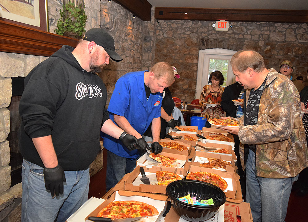 Record crowd of pizza lovers  take Rotary Challenge