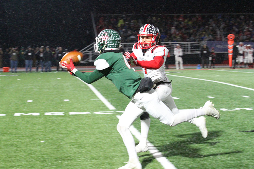 Oak Harbor slays the dragon, defeats Orrville in playoff game, 35-28