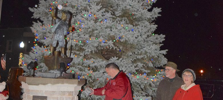 Port Clinton Christmas Tree lighting