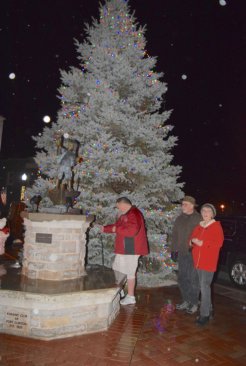 Couple honored at Port Clinton Christmas Tree lighting event