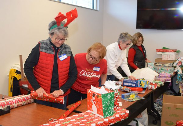 Salvation Army Volunteers Wrap Things Up The Beacon