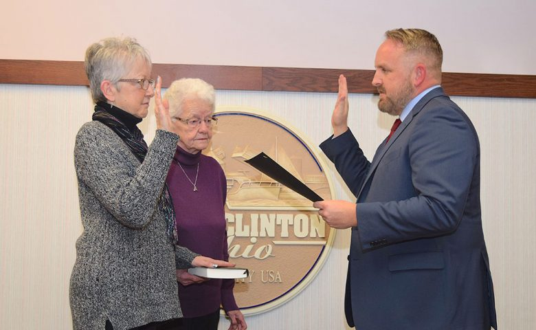 Council-at-Large Pat Hovis was sworn in by Gabe Below, Ward 4 Councilman.