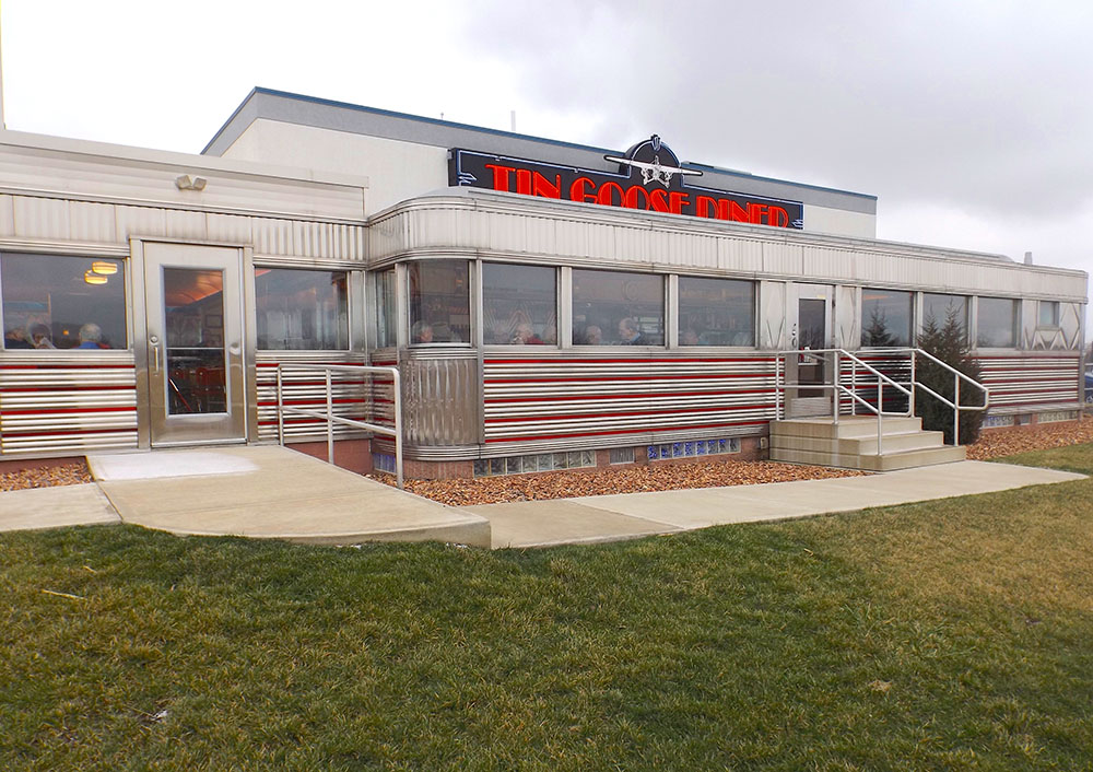 Tin Goose diner, a museum and American icon