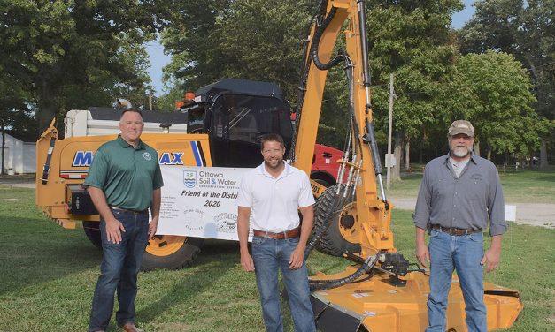 Ottawa SWCD gives engineer, highway crews its top award