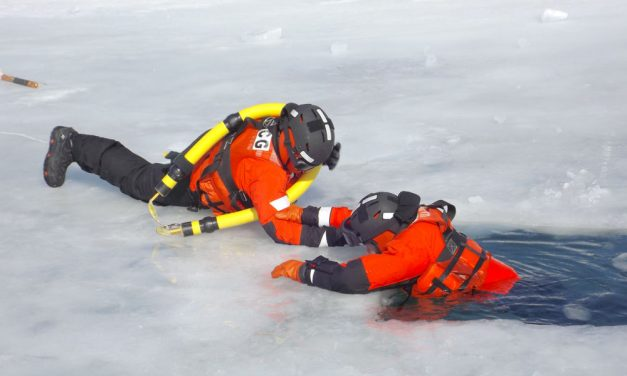 Coast Guard polishes ice rescue skills