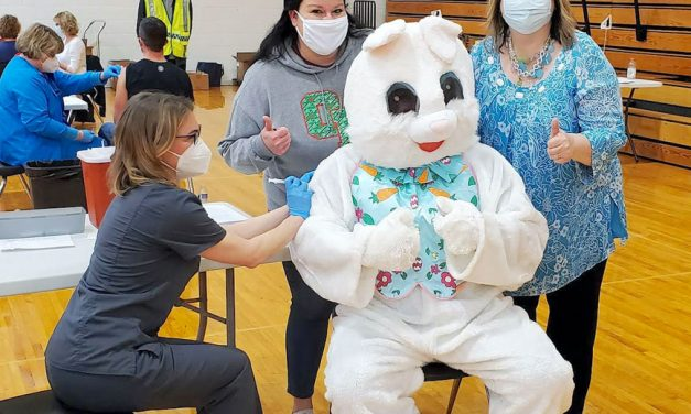 Easter Bunny gets vaccinated in Oak Harbor!