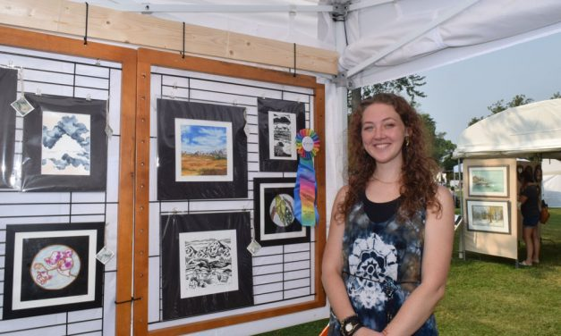 Weekend of wonderful art attracts Lakeview Park crowds