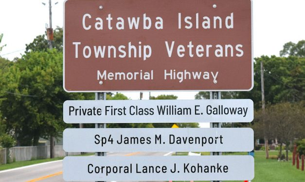 Catawba Trustees dedicate Veterans Memorial Highway