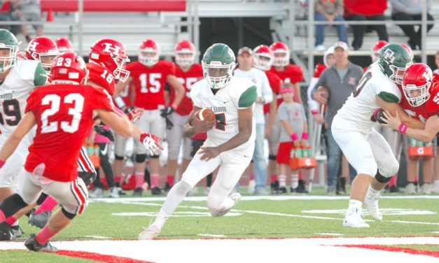 Huron pulls away late from Oak Harbor, 21-14